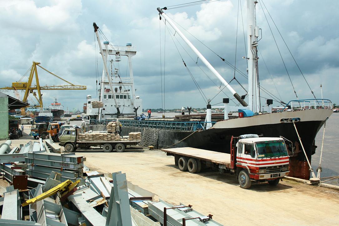Kapal Barang